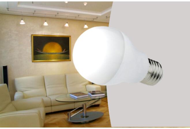 7W-os LED fényforrás (4 darabos csomag, hideg fehér, E27)