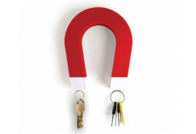 Mágnes alakú kulcstartó